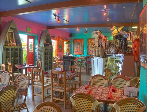 The Haute Enchilada Cafe, Galleries & Social Club