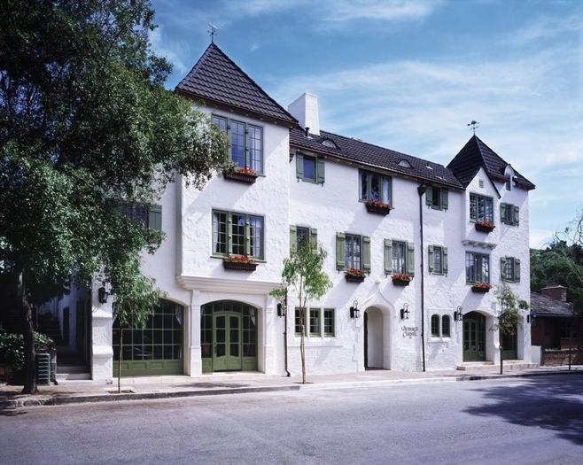L'Auberge Carmel
