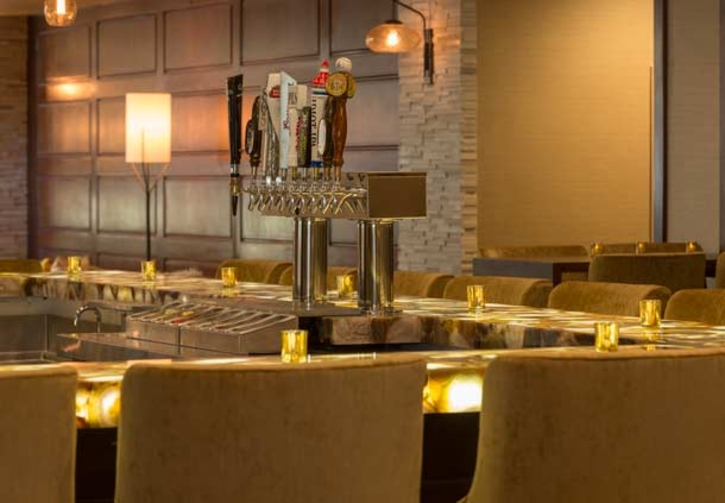 Fin + Field Restaurant And Bar
